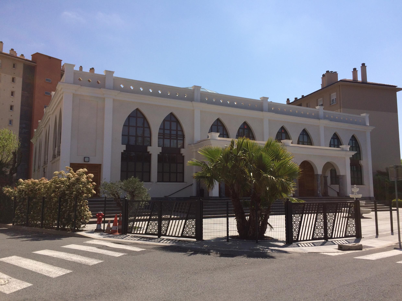 A mesquita de Fréjus, inaugurada em 2016, que o prefeito Rachline quer demolir.