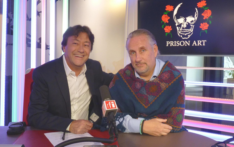 Jorge Cueto con Jordi Batallé en los estudios de RFI