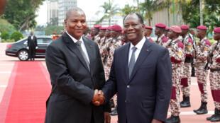 Le président ivoirien Alassane Ouattara accueille son homologue centrafricain Faustin-Archange Touadéra à Abidjan, le 7 novembre 2016.