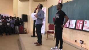 Le rappeur Smarty à l'Université de Ouagadougou, lors de l'enregistrement de l'émission Appels sur l'actualité.
