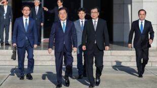 韩国总统特使代表团抵达平壤    2018年9月5日
