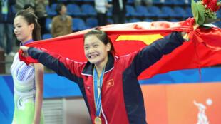 Tấm HCV quý giá của võ sĩ trẻ 18 tuổi tại ASIAD 16 Lê Bích Phương  là niềm an ủi lớn cho thể thao Việt Nam 2010