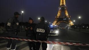 Monumento ficou fechado durante mais de duas horas após falsos alertas a bomba.