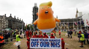 Des manifestants anti-Trump le 4 juin 2019 à l'occasion de la visite du président américain au Royaume-Uni.