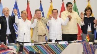 L'Unasur réunie à Guayaquil, en Equateur, a apporté son soutien au président Correa, le 19 août 2012.