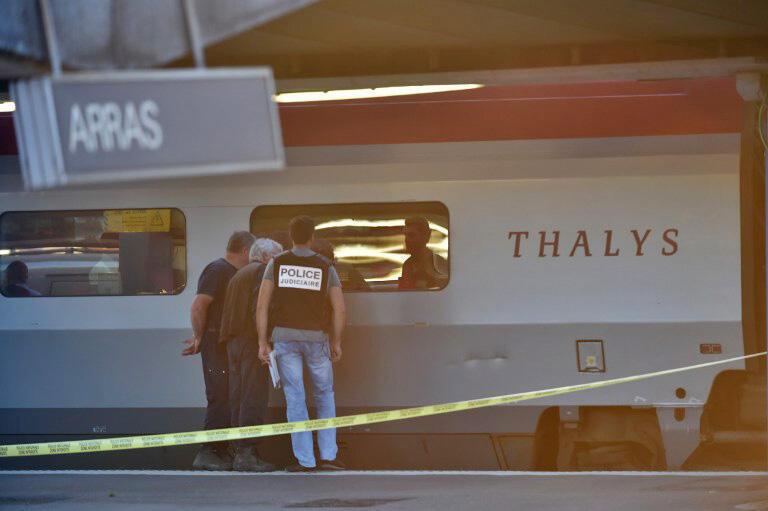 Французские полицейские у поезда Thalys на вокзале в Аррасе, 21 августа 2015 г.