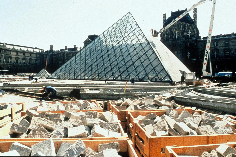 Строительство пирамиды 1987 г.