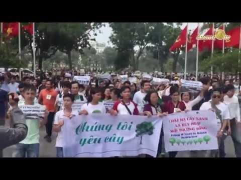 Tuần hành ngày 29/03/2015 tại Hà Nội để bảo vệ cây xanh.