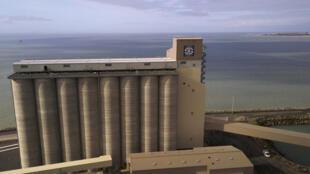 Le nouveau silo du port de La Rochelle, le 13 mars 2018.