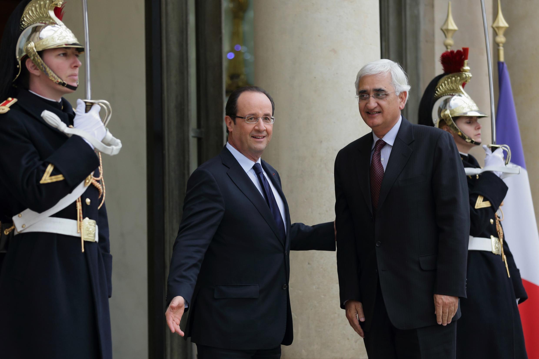 O presidente François Hollande, recebeu o ministro indiano das Relações Exteriores, Salman Khurshid, no Eliseu na semana passada.