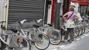 Des Vélib' à Paris.