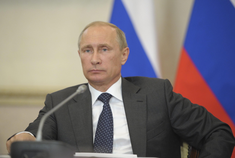 Tổng thông Putin chủ trị một phiên họp tại  Voronezh, ngày 05/06/2014.