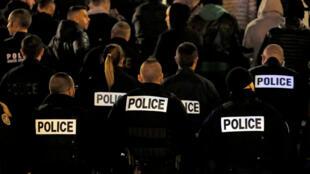 Policiais franceses são acusados de racismo e associações pedem investigação independente (imagem de ilustração)