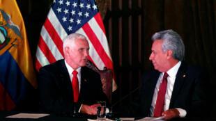 Le vice-président Mike Pence et le président équatorien Lenin Moreno s'exprime devant les médias lors d'une conférence à Quito, le 28 juin.