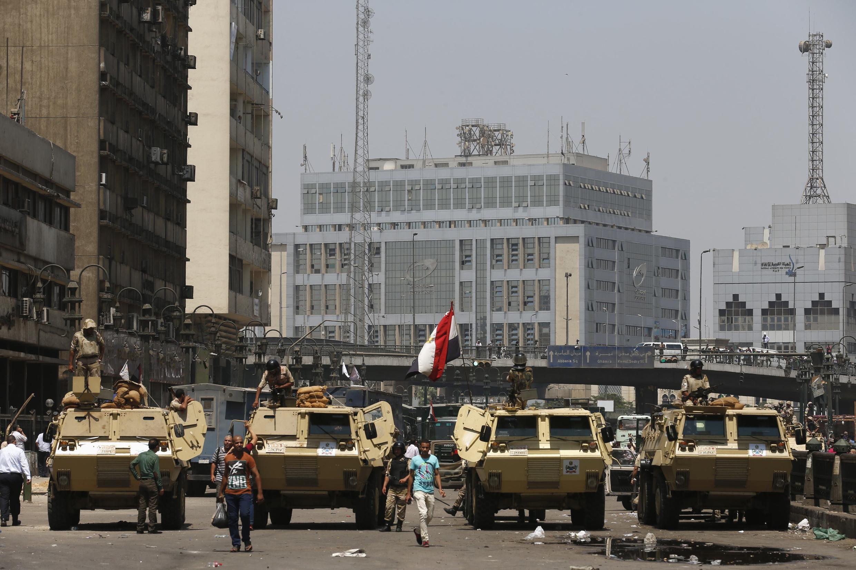 Tình hình Ai Cập bế tắc, cả hai phe, ủng hộ và chống Morsi, đều không chịu lùi bước.