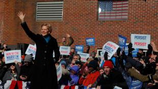 Pour l'officialisation de sa candidature, Elizabeth Warren a choisi la ville de Lawrence, au nord-ouest de Boston, théâtre d'une grève il y a plus d'un siècle qui a marqué l'histoire du mouvement ouvrier aux Etats-Unis.