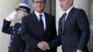 В последний раз российский президент приезжал в Париж в октябре 2015 г. на встречу «нормандской четверки»