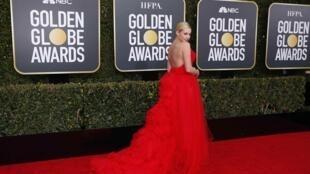 Звезда сериала «Ривердэйл» актриса Лили Рейнхарт на 76-й церемонии Золотых глобусов
