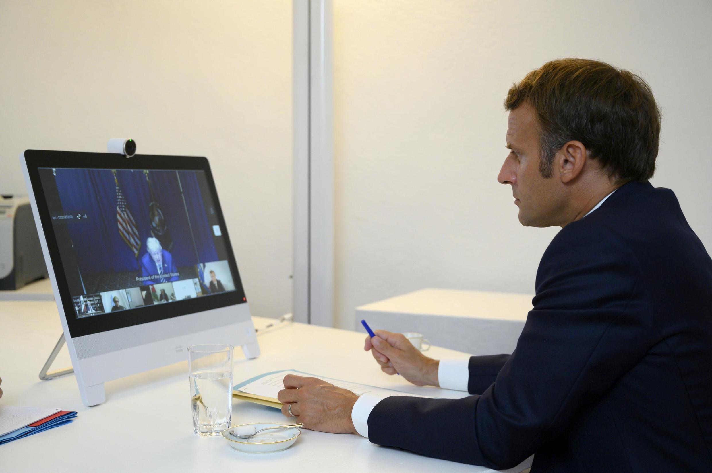Shugagaban Faransa Emmanuel Macron yayin kaddamar da gidauniyar taimakawa kasar Lebanon ta hoton bidiyo