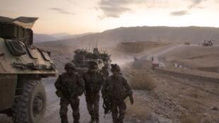 en Afghanistan, des soldats français du premier régiment d'infanterie de retour à leur base militaire de Tora, dans la province du Surobi. Il reste 3600 soldats français en Afghanistan.