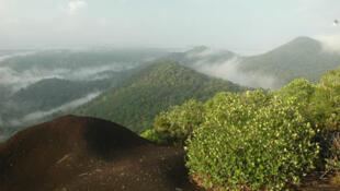 Le site protégé des Nouragues en Guyane.