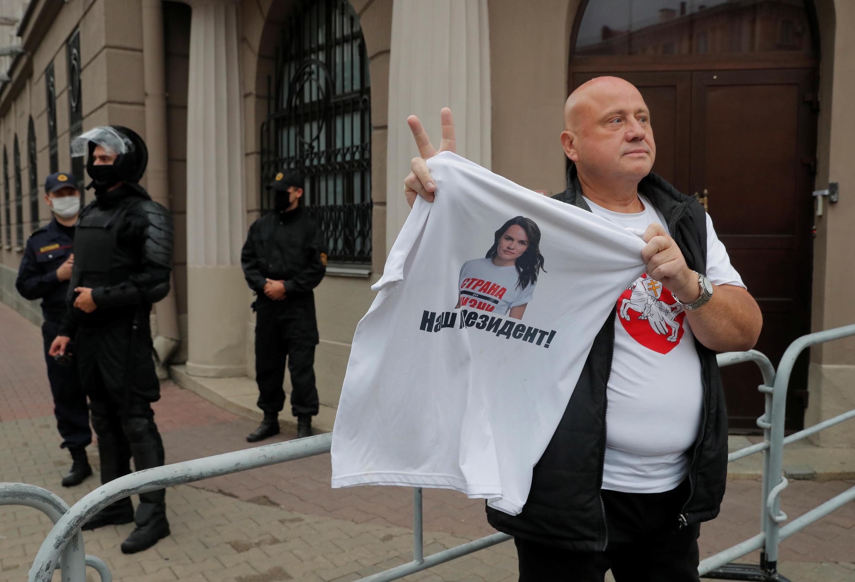 2020-08-19T152113Z_1070663204_RC23HI9MR1ZH_RTRMADP_3_BELARUS-ELECTION-PROTESTS