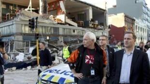 Премьер-министр Новой Зеландии и мэр города Крайстчерч на месте катастрофы
