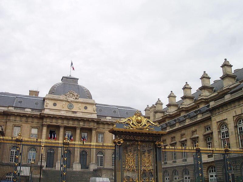O Palácio da Justiça de Paris, sede do Tribunal de Cassação.