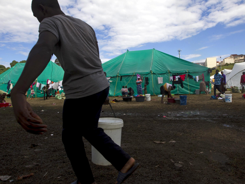 Acampamento de Chatsworth, ao sul de Durban, onde milhares de estrangeiros se refugiam da onda de violência. contra eles.