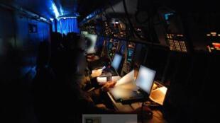 A l'intérieur d'un avion de surveillance Atlantique 2