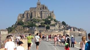 The road leading to the Mont Saint Michel