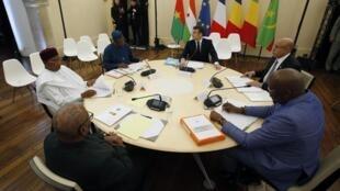 Le président français, Emmanuel Macron et les présidents du Sahel, réunis à Pau, sont inquiets des velléités de Washington à quitter la région.
