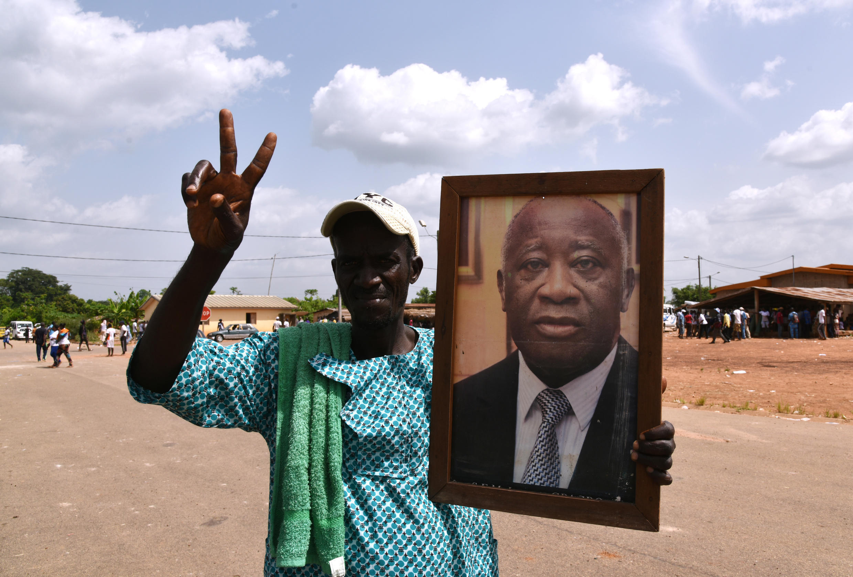 Un militant pro-Gbagbo, à Mama en avril 2015.