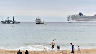 Villeneuve-Loubet est devenue la deuxième ville de la Côte d'Azur après Cannes, à interdire le burkini sur ses plages.