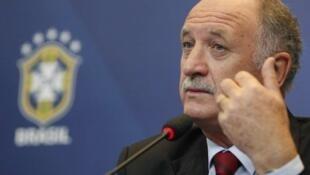 Felipão vai começar a Copa em terceiro lugar no ranking da FIFA