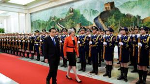 Thủ tướng Trung Quốc Lý Khắc Cường đóng thủ tướng Anh Theresa may tại Đại Lễ đường Nhân dân Bắc Kinh ngày 31/01/2018.