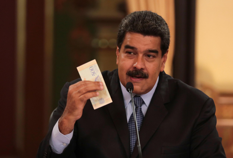 Le président vénézuélien Nicolas Maduro a annoncé le lancement d'une nouvelle monnaie, le bolivar souverain, depuis le palais présidentiel de Miraflores à Caracas, le 17 août 2018.