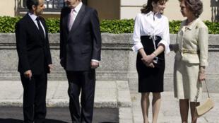 French President Nicolas Sarkozy (L-R) with Juan Carlos, Carla Bruni-Sarkozy and QueenSofia