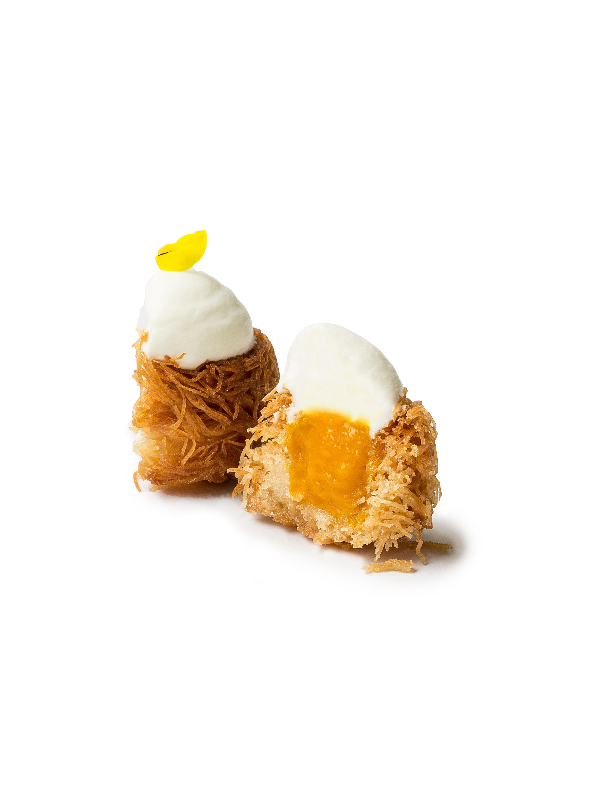 Nid pâtissier by Myriam Sabet, with a mango filling and jamsin flavoured whipped cream on top