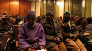 Des réfugiés zimbabwéens accueillis dans une église méthodiste de Johannesbourg en juillet 2008.