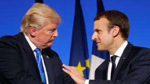 Les présidents Donald Trump et Emmanuel Macron, lors d'une conférence de presse à l'Elysée, le 13 juillet 2017.