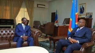 Rais wa DRC Félix Tshisekedi akimpokea Waziri wake Mkuu mpya Sylvestre Ilunga Ilunkamba  Mei 20, 2019 huko Kinshasa.