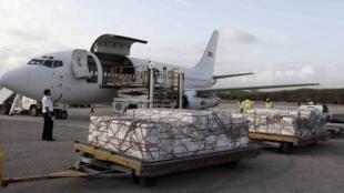 O primeiro avião do PAM que conseguiu finalemente chegar a Mogadiscio, esta quarta feira.