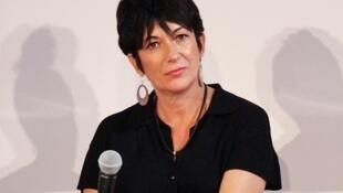 Ghislaine Maxwell, ex-companheira de Jeffrey Epstein, é acusada de ter participado ativamente da rede de pedofilia do milionário americano.