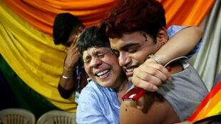 Explosion de joie en Inde après l'annonce de la Cour suprême de la dépénalisation de l'homosexualité (ici à Mumbai) le 6 septembre 2017.