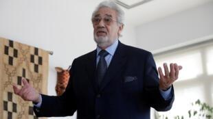 O tenor espanhol Plácido Domingo é acusado de abuso sexual por vinte mulheres.