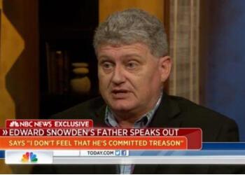 Лон Сноуден, отец бывшего агента ЦРУ, получившего политическое убежище в России, выступает на канале NBC News