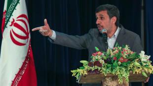 محمود احمدی نژاد، رئیس جمهوری اسلامی ایران در همایش شورای اسلامی شهر و روستا