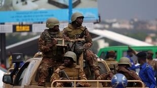 Militares malianos em patrulha na  capital Bamako. 27 de Julho de 2018