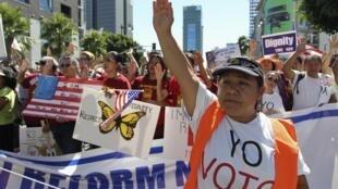 Marcha en Hollywood, Los Ángeles, este 5 de octubre de 2013.
